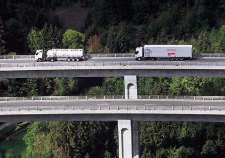 Trucking Tonnage Increases October 2014