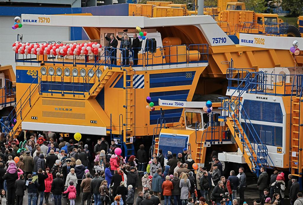 Biggest Truck In The World >> The Biggest Trucks In The World