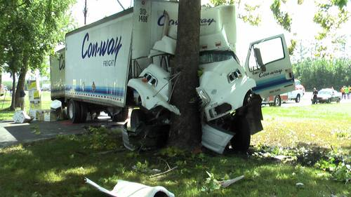 Trucking Fails - There's A Tree Over There